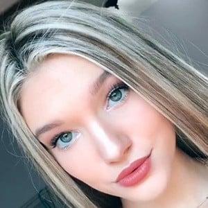 Lexie Holt 3 of 10