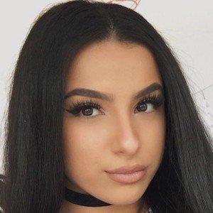 Leyla Rose Headshot 7 of 10