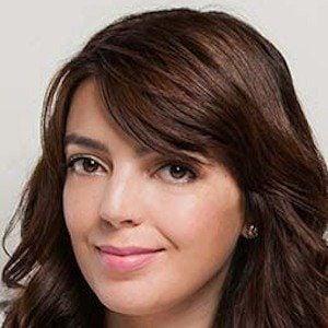 Lia Camargo 2 of 6