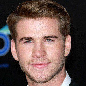 Liam Hemsworth 3 of 10