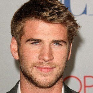 Liam Hemsworth 4 of 10