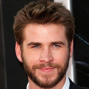 Liam Hemsworth 6 of 10