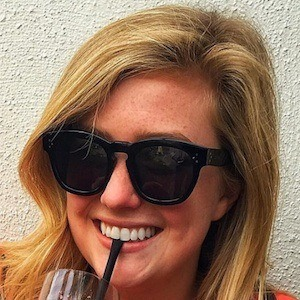 Libby de Leon Headshot 2 of 3