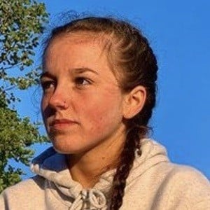 Libby-Mae Headshot 10 of 10