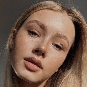 Lili Hamann 2 of 6