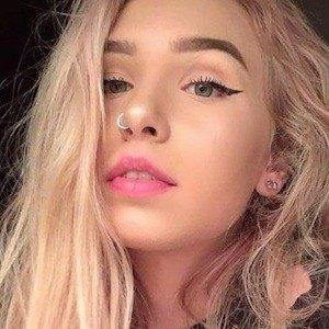 Lilie Moore 6 of 7
