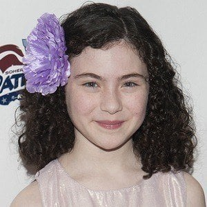 Lilla Crawford 2 of 4