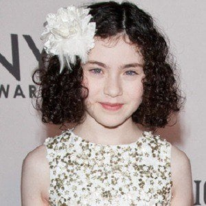 Lilla Crawford 3 of 4