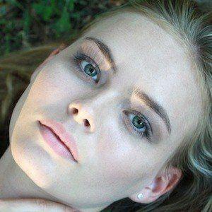 Lilly Van Der Meer 3 of 5