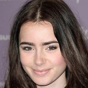 Lily Collins 3 of 10