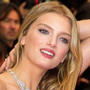 Lily Donaldson 3 of 5
