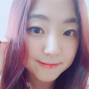 Lina Woo 4 of 6