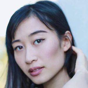 Linda Dong 5 of 6