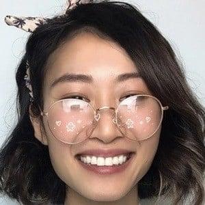 Linda Dong Headshot 9 of 10