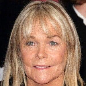 Linda Robson 2 of 5
