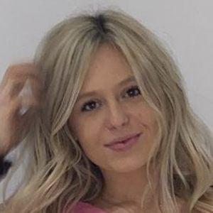 Lindsay Everson Headshot 6 of 10