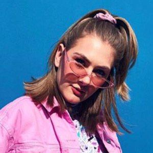 Lindsay Webster 5 of 6