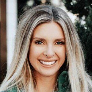 Lindsie Chrisley 2 of 6
