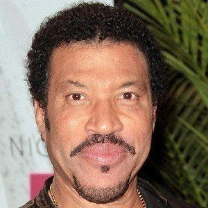 Lionel Richie 3 of 10