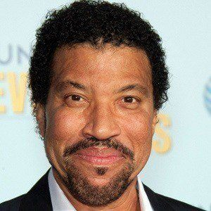 Lionel Richie 4 of 10