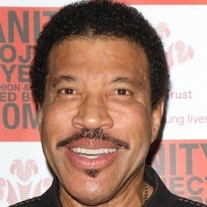 Lionel Richie 6 of 10