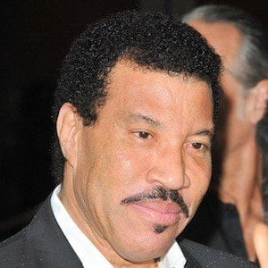 Lionel Richie 8 of 10