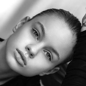 Liora Lapointe 5 of 10