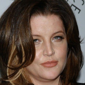 Lisa Marie Presley 5 of 9