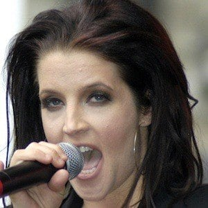 Lisa Marie Presley 6 of 9