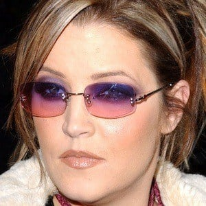Lisa Marie Presley 8 of 9