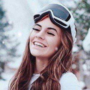 Lisa Marie Schiffner Headshot 2 of 10