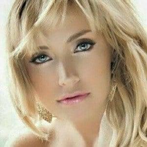 Lisette Morelos 3 of 6