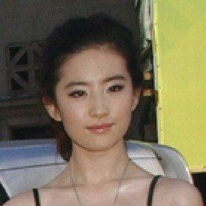 Liu Yifei 3 of 3