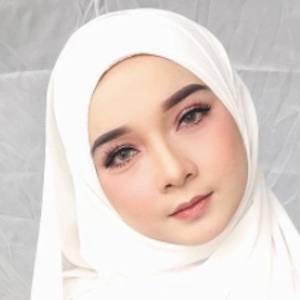 Liyana Bakarudin 4 of 10