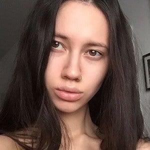 Liza Gysevskaya Headshot 2 of 5
