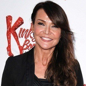 Lizzie Cundy 3 of 5