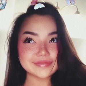 Lizzy Yu 5 of 8