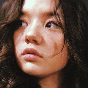 Lizzy Yu 7 of 8