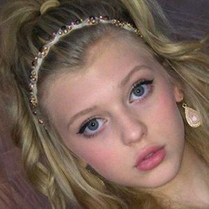 Loren Gray 10 of 10