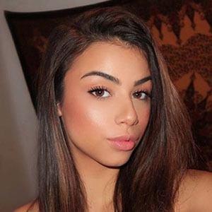 Loren Izabel Headshot 2 of 5