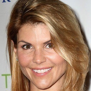 Lori Loughlin 4 of 10