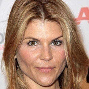 Lori Loughlin 5 of 10