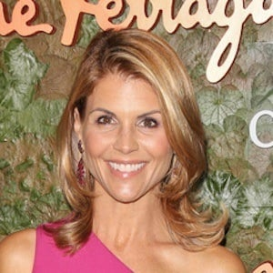 Lori Loughlin 6 of 10