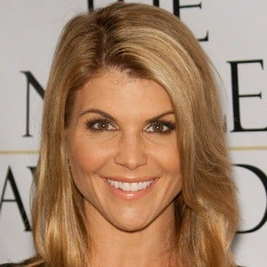 Lori Loughlin 7 of 10