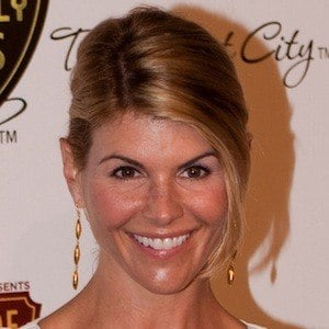 Lori Loughlin 8 of 10