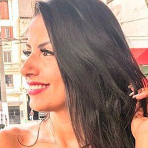 Luana Cordeiro 4 of 5