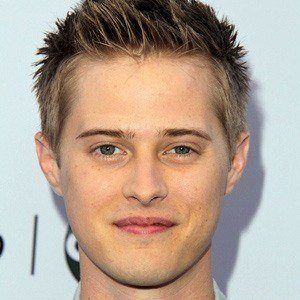 Lucas Grabeel 2 of 9