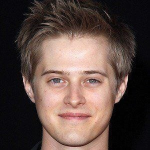 Lucas Grabeel 4 of 9