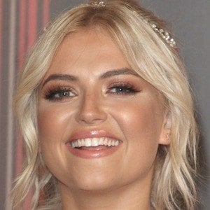 Lucy Fallon 4 of 7