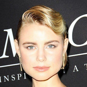 Lucy Fry 4 of 10